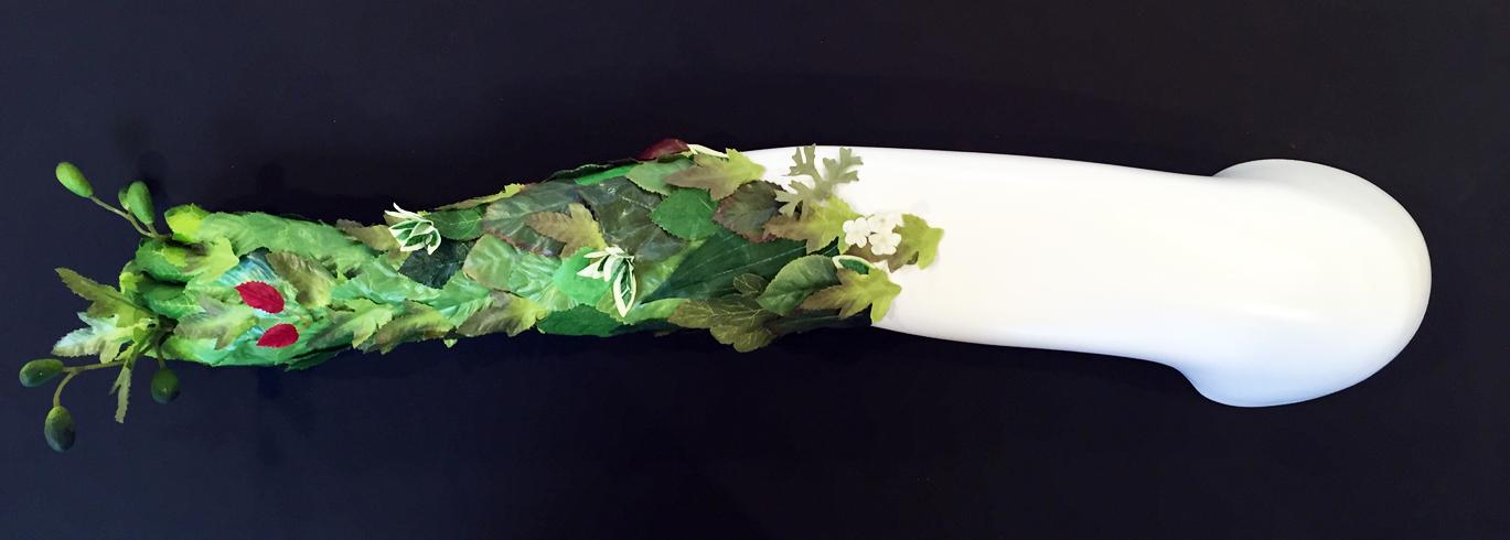 CARMEL WALLACE_Daphne 2015_fiberglass reinforced plastic; recycled manufactured leaves_L 77cm x w 14.5cm x h 12.5cm